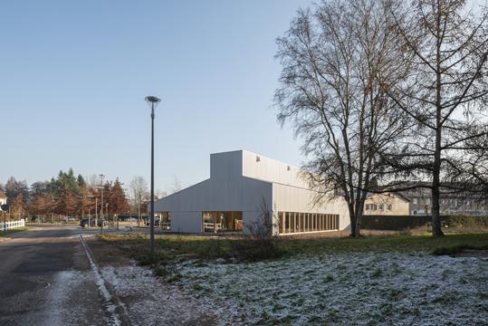 http://studiolada.fr/files/gimgs/218_mediatheque-baccarat-studiolada-aurelie-husson-architecte-et-eleonore-nicolas-architecte---02.jpg