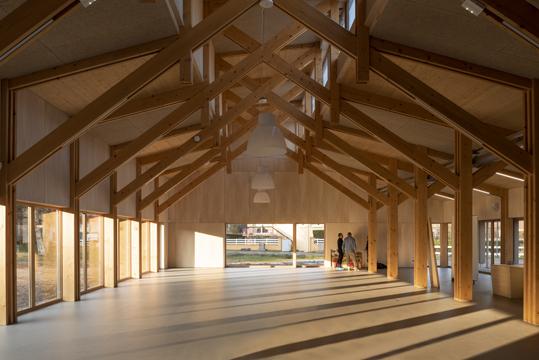 http://studiolada.fr/files/gimgs/218_mediatheque-baccarat-studiolada-aurelie-husson-architecte-et-eleonore-nicolas-architecte---12.jpg