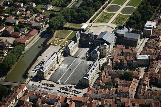 http://studiolada.fr/files/gimgs/224_chateau2056.jpg